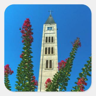 Torre de Luke do santo em Mostar, em Bósnia e em Adesivo Quadrado