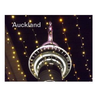 Torre do céu de Auckland, NZ Cartão Postal