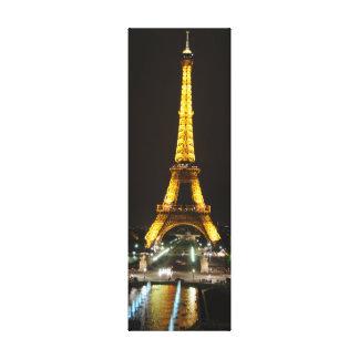 Torre Eiffel em canvas da noite