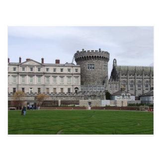 Torreta do castelo Ireland, do gramado & do Cartão Postal