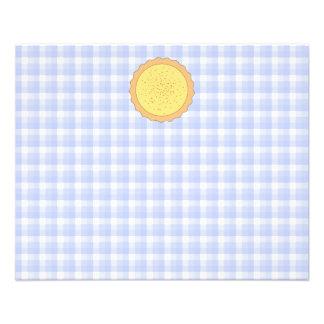 Torta do creme Galdéria amarela com guingão azul Panfleto Personalizados