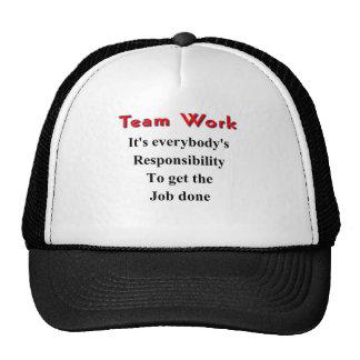 Trabalho da equipe boné