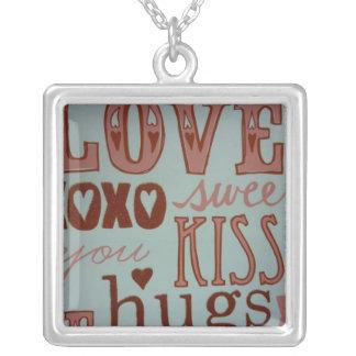 Trabalhos do amor colares personalizados