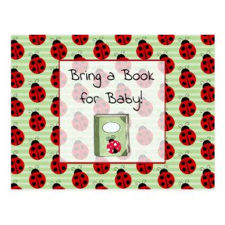 Traga um livro para o cartão do chá de fraldas do