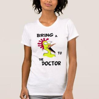 Traga uma galinha ao doutor Camisa