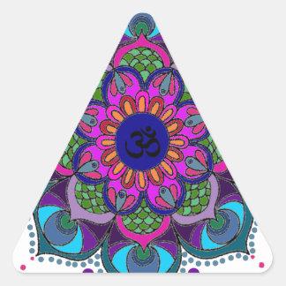 Transp das letras grandes da mandala da cor adesivo triangular