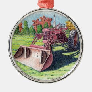 Trator antigo da jarda ornamento redondo cor prata