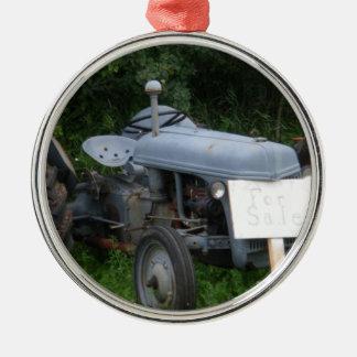 Trator azul obscuro do vintage ornamento redondo cor prata