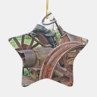 Trator oxidado ornamento de cerâmica estrela