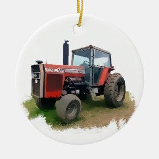 Trator vermelho de Massey Ferguson no campo Enfeite Para Arvore De Natal