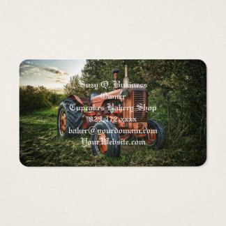 Trator vermelho velho do vintage cartão de visitas