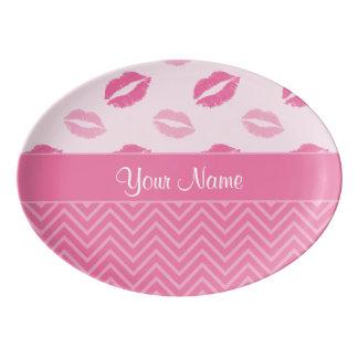 Travessa De Porcelana Beijos e ziguezagues rosa e branco