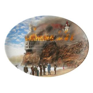 Travessa De Porcelana Fogo - fogo 1907 de Cliffside
