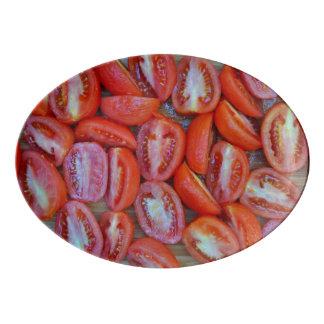 Travessa De Porcelana Tomates recentemente cortados