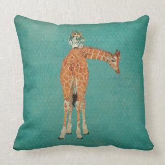 Travesseiro ambarino da cerceta do girafa & da cor