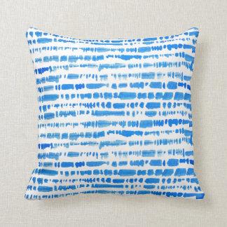 Travesseiro azul ecléctico da tintura do laço de almofada