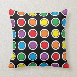 Travesseiro branco, preto e do arco-íris das almofada