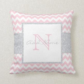Travesseiro cor-de-rosa cinzento do bebé de almofada