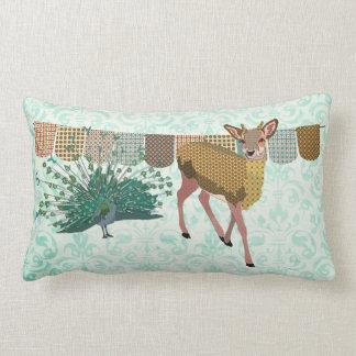 Travesseiro cor-de-rosa de Mojo dos cervos & do pa