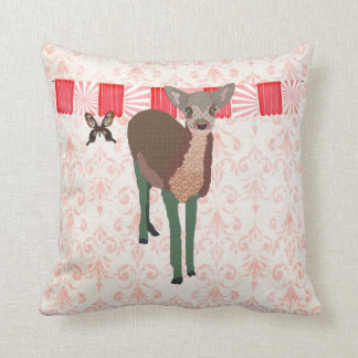 Travesseiro cor-de-rosa pintado de Mojo da jovem c