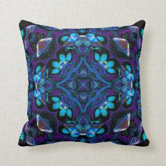 Travesseiro da mandala de Hughie Kattorz Almofada