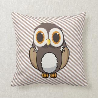Travesseiro decorativo bonito da coruja dos desenh