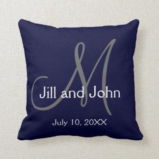 Travesseiro decorativo da lembrança do casamento