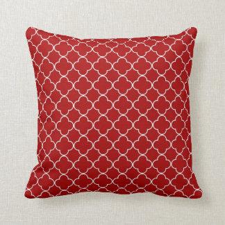 Travesseiro decorativo do teste padrão vermelho de almofada