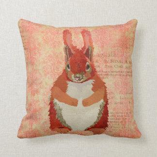 Travesseiro do rosa do esquilo vermelho