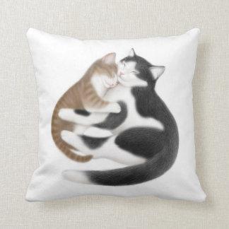 Travesseiro maternal dos gatos do amor