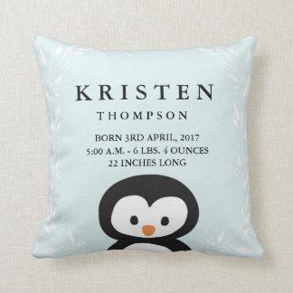 Travesseiro pequeno do anúncio do nascimento do almofada