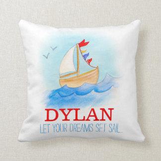 Travesseiro personalizado do nome do barco de almofada