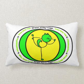 Travesseiro verde da pose do logotipo da ioga do