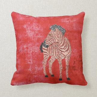 Travesseiro vermelho de Zenya Mojo