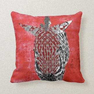 Travesseiro vermelho retro de Zenya Mojo