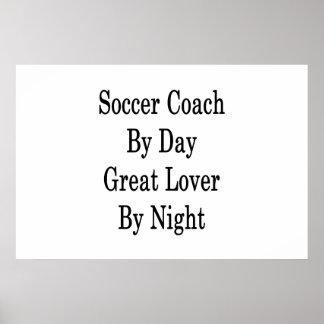 Treinador do futebol pelo grande amante do dia em pôster