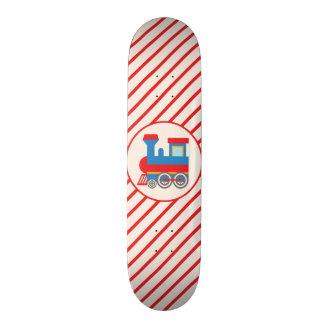 Trem vermelho e azul retro skateboard