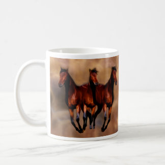 Três cavalos em um caneca