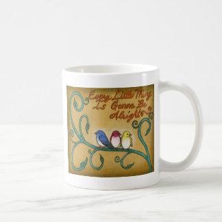 Três pássaros pequenos caneca de café