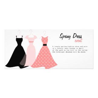 Três vestidos panfletos informativos