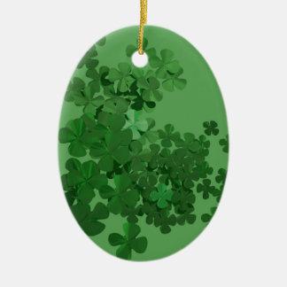Trevo do dia de St Patrick Ornamento De Cerâmica Oval