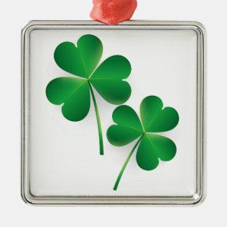 Trevo do verde do dia de um St Patrick Ornamento Quadrado Cor Prata