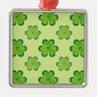 Trevos afortunados dos trevos do verde do dia de ornamento quadrado cor prata
