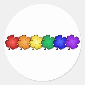 Trevos da folha do arco-íris quatro adesivos em formato redondos