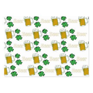 Trevos irlandeses da cerveja cartão de visita grande