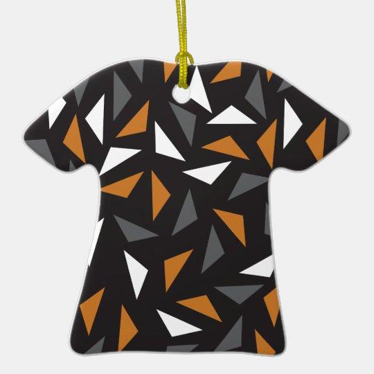 Triângulos animados ornamento de cerâmica camiseta