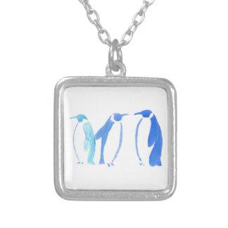 Trio azul do pinguim colar banhado a prata