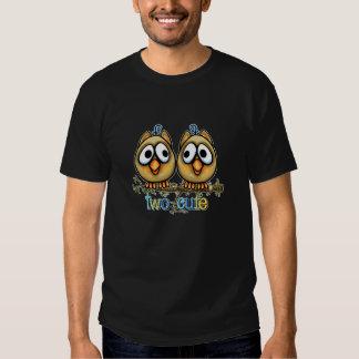 Tshirt bonito de dois gêmeos do menino