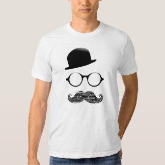 Tshirt branco chapéu luneta bigode