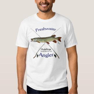 Tshirt. de água doce da pesca do pescador do t-shirt